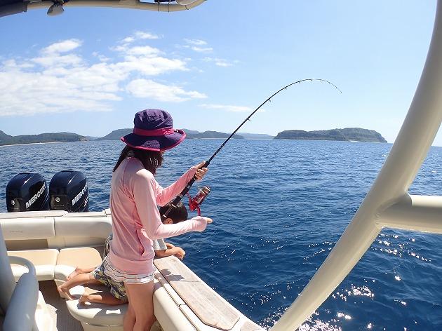 朝石垣から奥西表貸切ボートチャーターシュノーケリング&釣りツアー