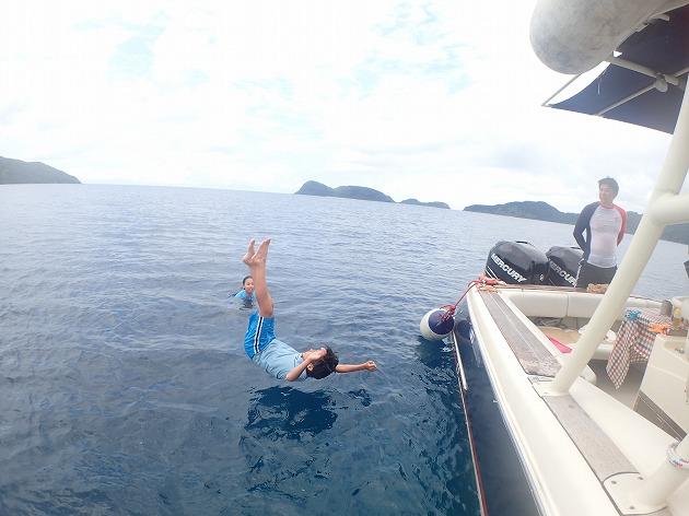 v小浜島や竹富島や石垣島より西表島貸切ボートチャーターシュノーケリング釣りツアー