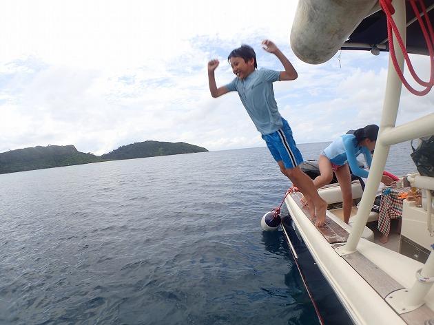 小浜島や竹富島や石垣島より西表島貸切ボートチャーターシュノーケリング釣りツアー