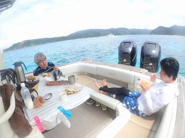 ウミガメだらけの奥西表貸切ボートチャーターシュノーケリング
