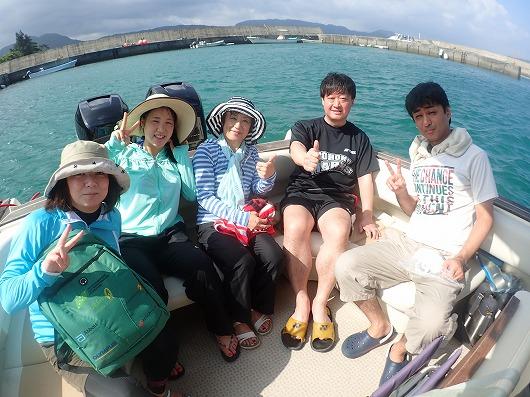 笑い声の絶えないさわやかスポーツ仲間さん!石垣島から貸切ボートチャーターツアー!