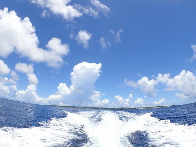 西表島より貸切ボートチャーター波照間行きツアー