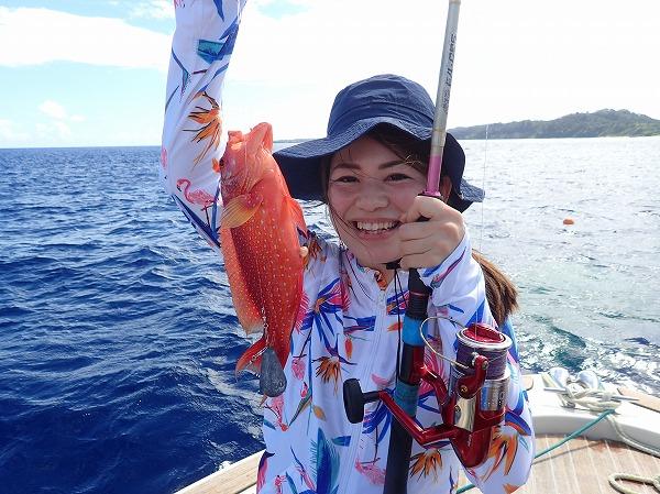 石垣島小浜島竹富島より社員旅行で奥西表ボートチャーターシュノーケル&釣りツアー