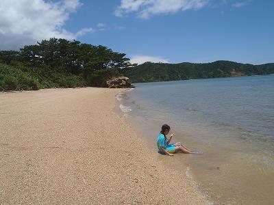西表島のプライベートビーチへ