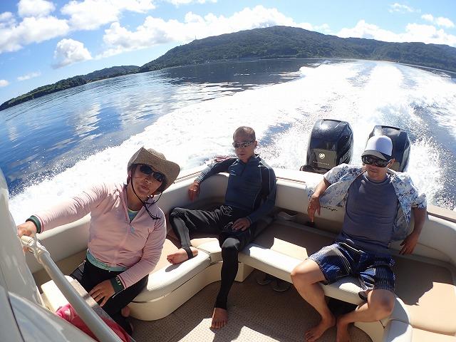西表島から波照間へ貸切ボートチャーターコース