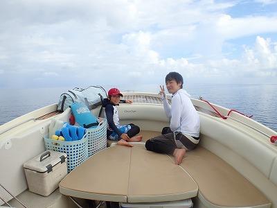 りゅう君とのり君の八重山夏休み ~石垣島より日帰りで貸切シュノーケル&釣りツアー~