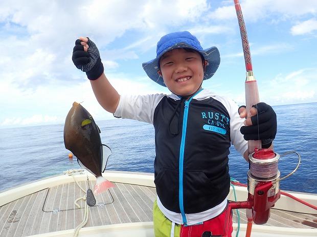ご家族3代で奥西表貸切ボートチャーター海遊び釣り&体験ダイビング&シュノーケル