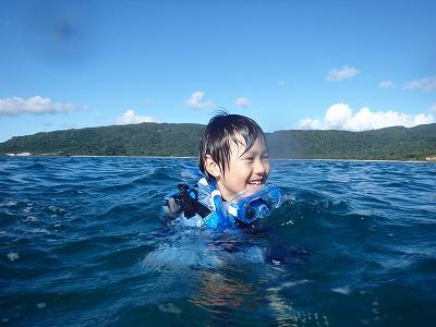 """""""超""""シティーボーイのリー君と貸切ボートシュノーケリングで西表島巨大ウミガメツアー!"""