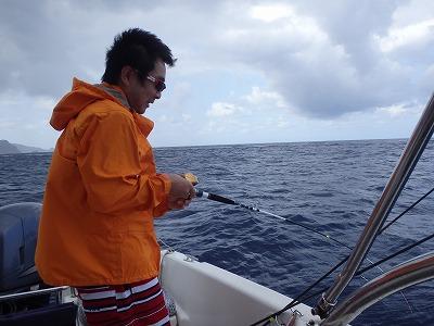 西表島10年以上のリピーターさんと貸切ボートチャーターで釣りまくりグルメツアー2日目
