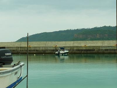 西表島の祖納港にてメラマウリゾート号