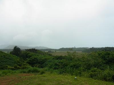 少し雨雲のかかる今朝の西表島